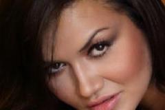Daniela Paes-page-001